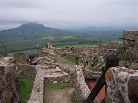A vár egyike azon kevés várainknak, amely a török időkben sohasem hordozta tornyain az oszmán felségjelvényeket. Vadlány Vendégház - Légy ott Zalában!
