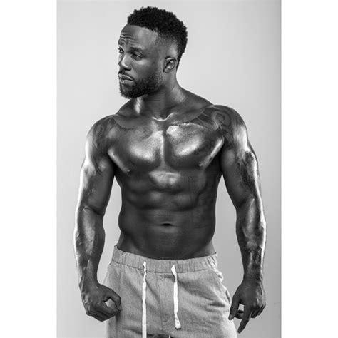 cardi b hehehe video iyanya shows off sexy bod in shirtless photoshoot