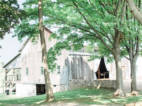 hidden vineyard wedding barn  premier wedding venue