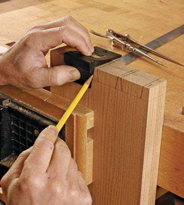 laying  dovetails finewoodworking
