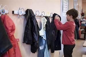 Porte Manteau Ecole : le porte manteau anti poux dans les coles porte manteaux anti poux ~ Teatrodelosmanantiales.com Idées de Décoration