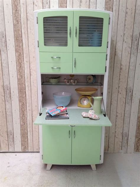 1950 painted kitchen cupboards