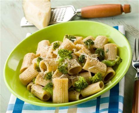 vin blanc sec cuisine pâtes aux brocolis recette de pâtes aux brocolis marmiton