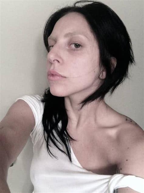 makeup selfies  peek   favourite celebrities bare faces youqueen