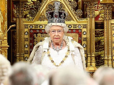 The Real Crown: Queen Elizabeth's Imperial State Crown ...