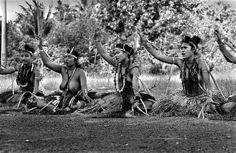 Kiribati,Nauru; Yap, Sienna/Italy, San Francisco, Arches ...