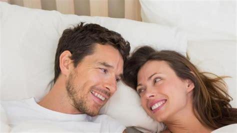 lima manfaat berhubungan seks bagi kesehatan suami dan istri tribunnews com
