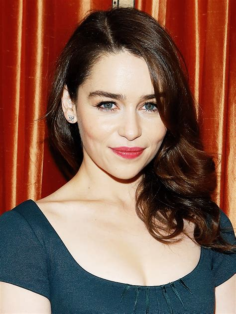 maisie jurassic world actress age emilia clarke actor tv guide