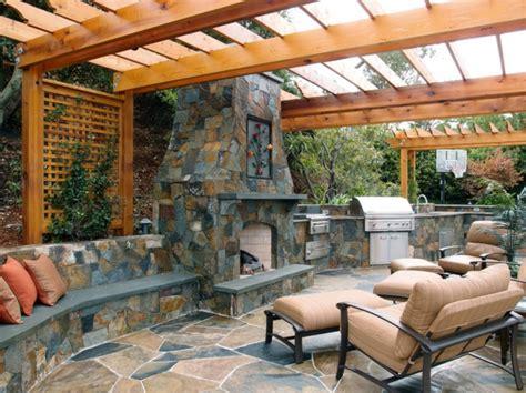 cuisine de jardin en la décoration extérieure avec un treillis de jardin