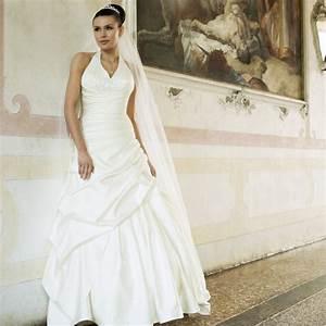robe de mariage pas chere ivoire en satin instant precieux With robe de mariage avec alliance pas cher