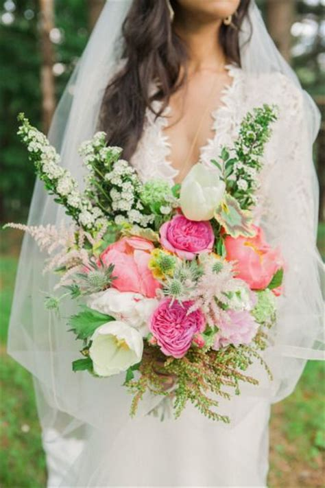chic bohemian wedding bouquets deer pearl flowers