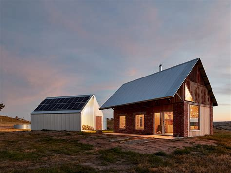 rugged beauty shines    grid rural house