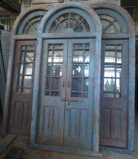 porte interieure ancienne vitree  vantaux avec imposte