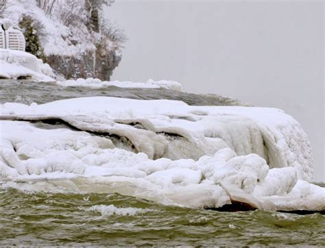 niagara falls   frozen solid garden walk garden talk