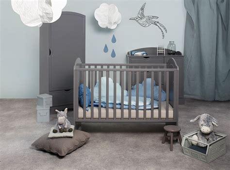 couleur mur chambre bébé bien choisir la couleur d 39 une chambre d 39 enfant