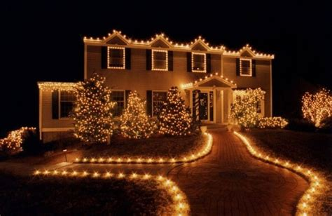 outline driveway  lights christmas