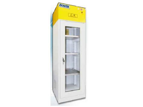 armoires de stockage pour produits chimiques et corrosifs