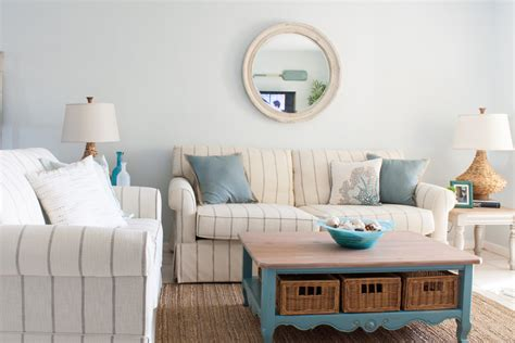 Living Room Condo Design : Beach Condo Living Room Decor
