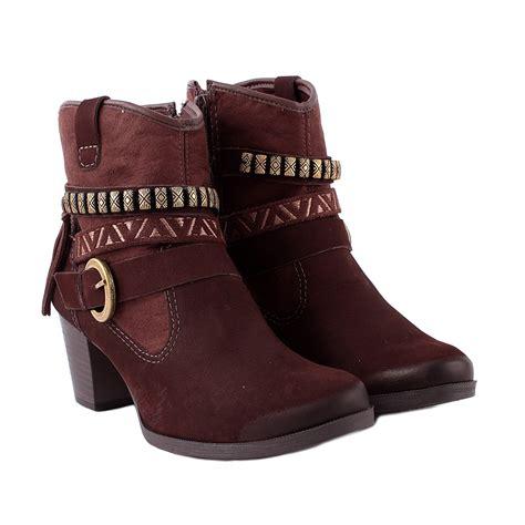 bota cano curto dakota marrom chocolate feirão do