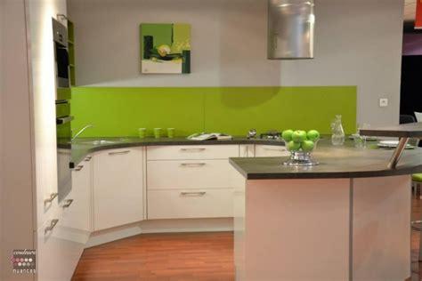 cuisine verte et blanche cuisine verte pomme