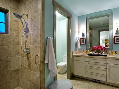 HGTV Dream Home 2012 Bathroom   Pictures and Video From