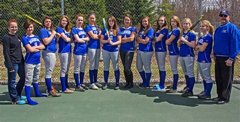 Mariner softball a small team, with much experience ...