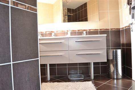 salle de bain marron et beige photo 6 7 3513783