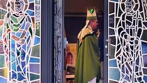 Emmaus Saint Priest : should st ann parishioners have been told their pastor ~ Premium-room.com Idées de Décoration
