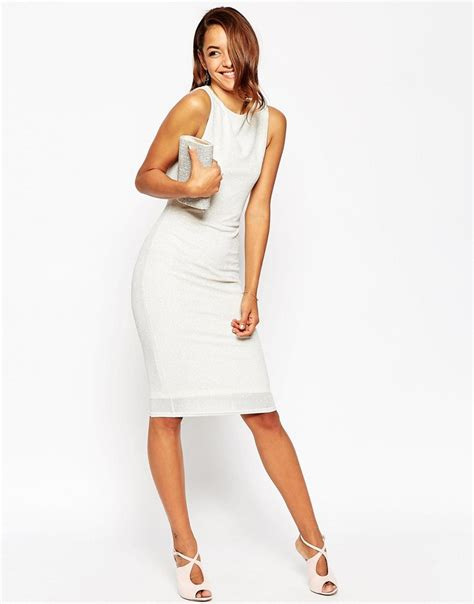 Can I Wear White To A Wedding? Can Wedding Guests Wear