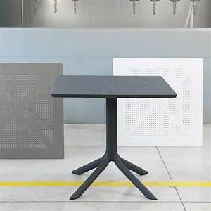 Table Carrée De Jardin : petite table de jardin carr e en polypropyl ne clip 4 ~ Melissatoandfro.com Idées de Décoration