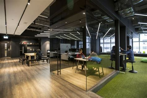 Hong Kong Warehouse Converted to Creative Office Space