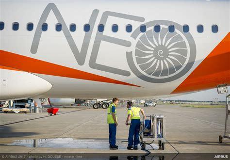 easyjet receives    aneo aircraft