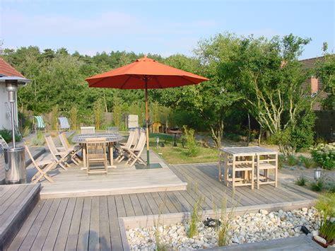 terrasse bois gravier blanc