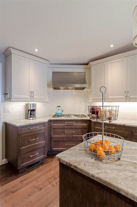 two different granite colors in kitchen best 25 two toned cabinets ideas on two tone 9502