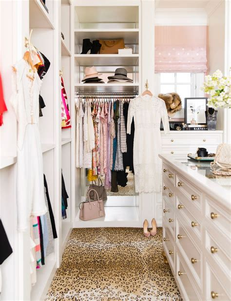 Closet Vanity Ideas by 25 Best Ideas About Vanity In Closet On