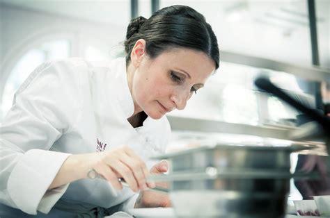 femme chef cuisine les femmes plus audacieuses et créatives que les hommes