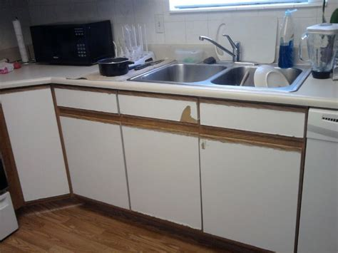 laminate kitchen cabinets paint best 25 formica cabinets ideas on laminate