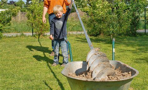 brunnen bohren lassen brunnen bohren wasser im garten teich selbst de