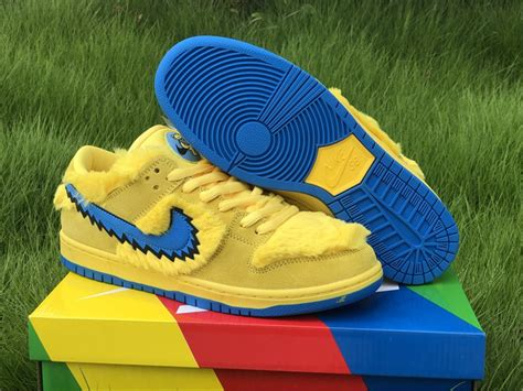 grateful dead nike sb dunk qs yellow shoes