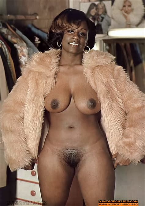 Amazing Vintage Ebony Chick With Perfect Bo Xxx Dessert Picture