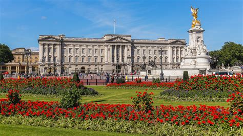 Buckingham palace, palace and london residence of the british sovereign. A Royal Renovation: How Interior Designers Would Design Buckingham Palace - FYI
