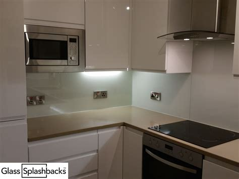 fully fitted white glass splashback shaped  cooker