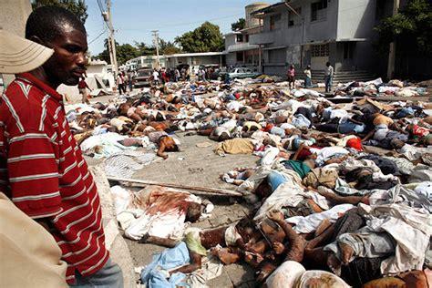 Inside Resumen Yahoo by Bodies Pile Up In Haiti As Aid Effort Pledged Channel 4 News