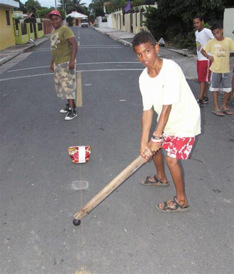 Ha participado en 14 ediciones de los juegos olímpicos de verano. juegos tradicionales de la republica dominicana : JUEGOS TRADICIONALES