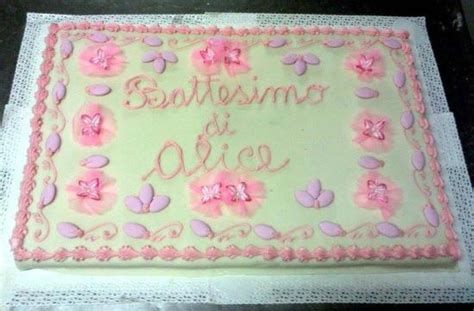 fiori di glassa reale torta di battesimo decorata con fiori in tulle confetti e