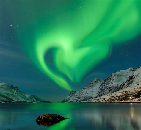 trips to see the northern lights top 5 places to see the northern lights easy planet travel