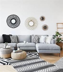 Weiß Graues Sofa : pin von chloe yates auf living room ideas ethno design ~ A.2002-acura-tl-radio.info Haus und Dekorationen