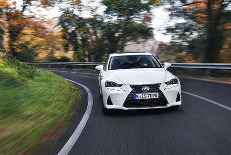 lexus is 300h technische daten lexus is 300h facelift 2017 erste fahrt daten preise