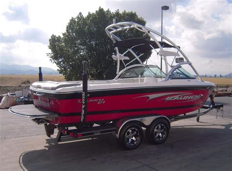 Used Supra Boats by 2006 Used Supra Launch 21 Ski And Wakeboard Boat For Sale