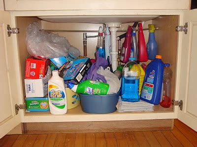 Under Kitchen Sink  Ee  Cabinet Ee   Organization Ideas You Can Use